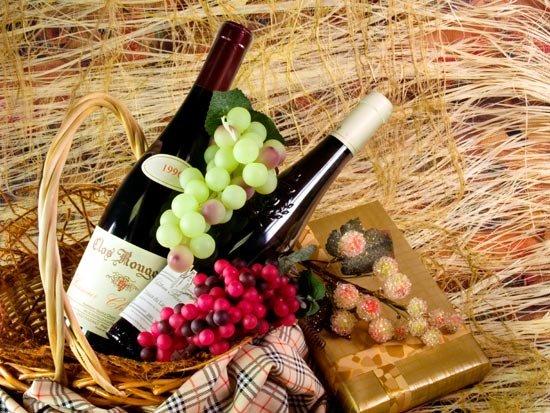 Красное вино в подарок