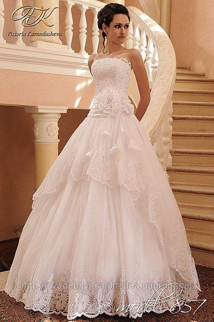 В нашем свадебном салоне в Омске мы предлагаем Вам свадебные и вечерние платья напрямую с завода-производителя! Мы продаем только новые и заказанные