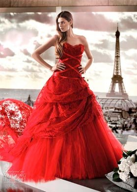 Салон предоставит вам большой выбор платьев самых различных цветов и расценок, которые вас порадуют. Красное свадебное платье
